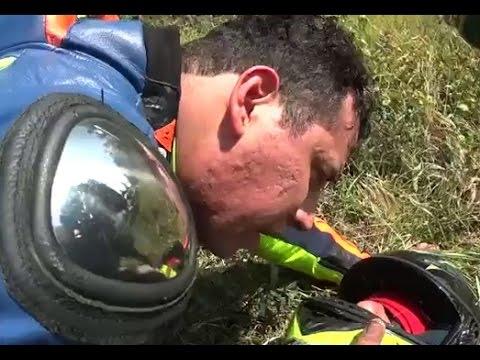 Incidente mortale un motociclista invade la corsia opposta | Carlos Cazo Quintero su LiveLeak e YouTube |