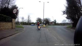 Innovv K2 captures new rider dump his new bike at roundabout.