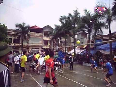 Thi đấu bóng chuyền hơi 2 - lễ hội làng Trang Liệt 2014