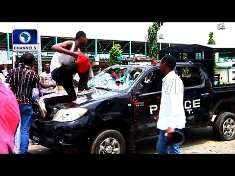 Shiites Destroy Police Vehicle, Ground Activities At Federal Secretariat Abuja