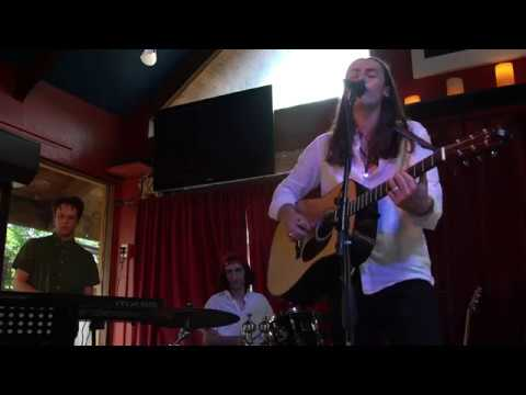 video:Anthony Arya - California Air (Live at Michael's on Main)