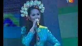 Download Lagu Siti Nurhaliza Tari Tualang Tiga mp3