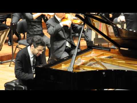 Jonathan Biss performs Schumann's Piano Concerto with the San Francisco Symphony