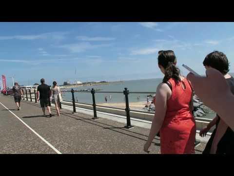 Walking Tour of a British Seaside Town