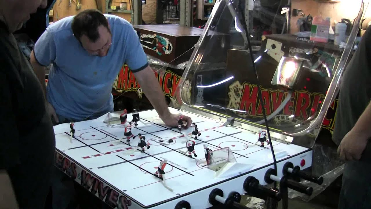 466 Ice SUPER CHEXX Limited Edition FLYER\'S WIVES Bubble Hockey ...