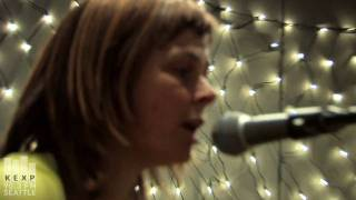"KEXP 90.3 FM presents The Vaselines performing ""Molly's Lips"" live ..."