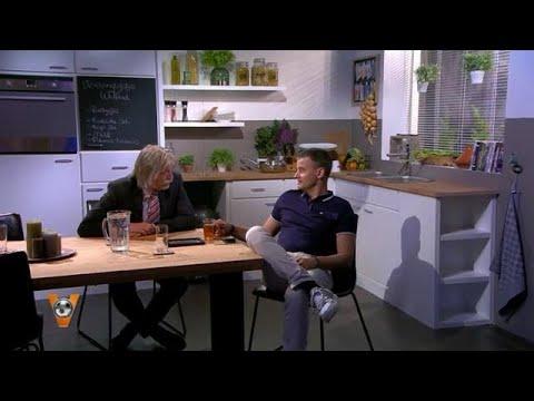 Johan Derksen heeft he-le-maal geen zin in VI Oranje  - VI ORANJE BLIJFT THUIS