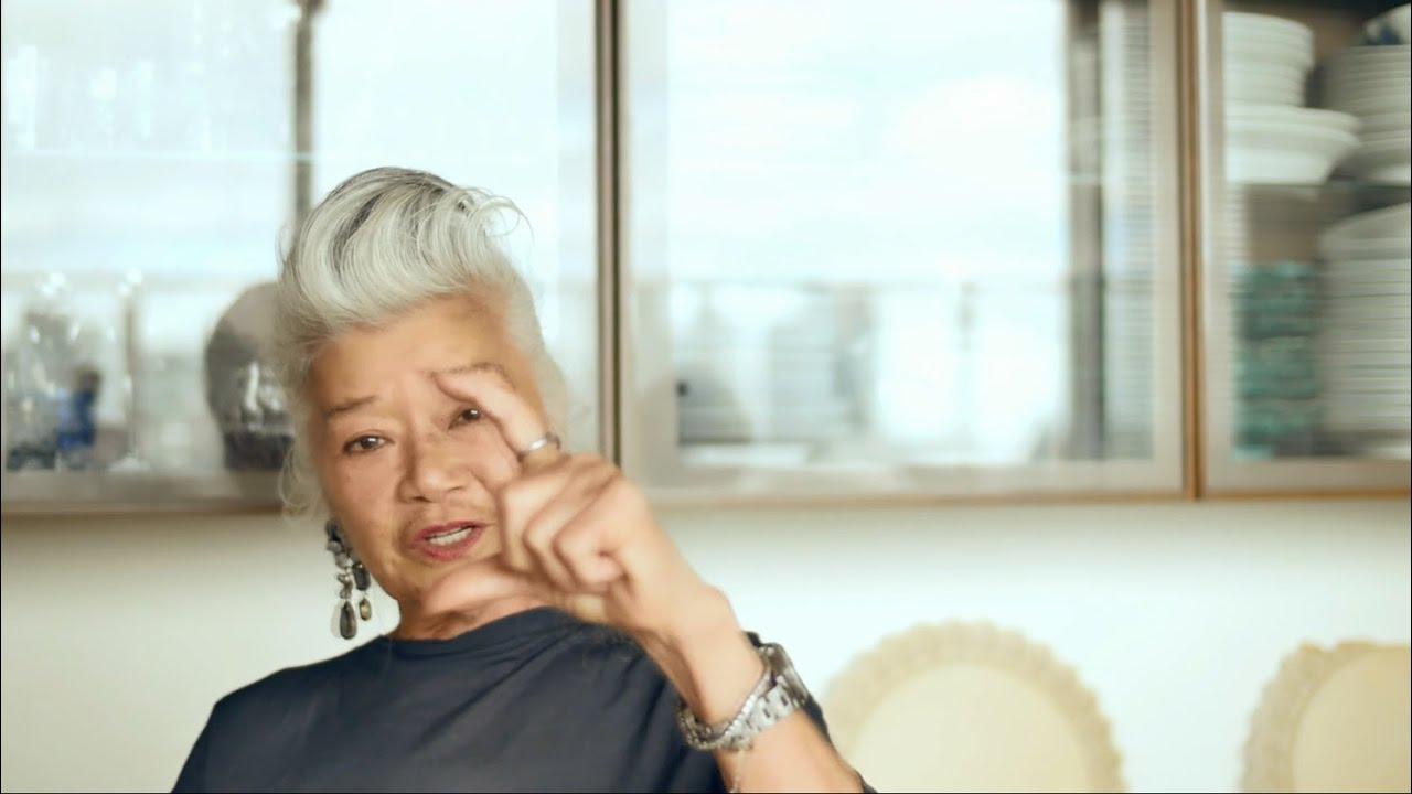 デザイナー島田順子さん、自分スタイルの秘訣は?「髪の毛は満月の日にセルフカット」 , YouTube