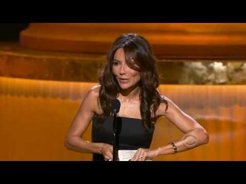 Vanessa Marcil presents at the 2010 Emmys - YouTube