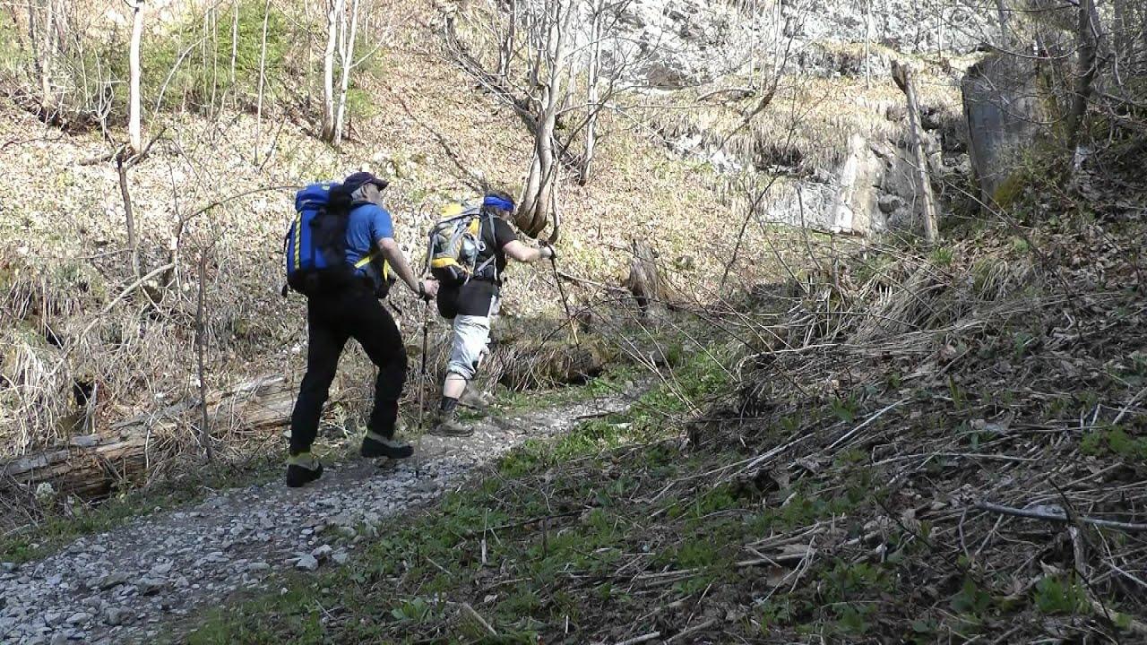 Ettaler Mandl Klettersteig Unfall : Ettaler mandl und laber 09.04.2011 youtube
