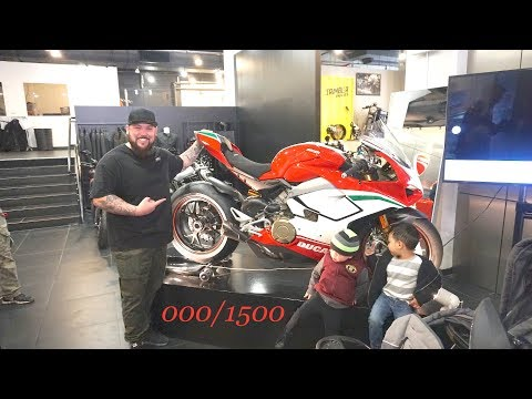 Getting the FIRST Panigale V4 Speciale in the world! NUMBER 0/1500