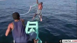 Cách bắt cá đuối có một không hai