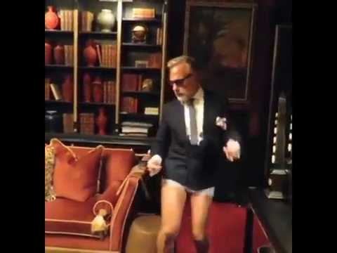 Cabina Armadio Gianluca Vacchi : Gianluca vacchi risponde a rocco siffredi balla in mutande e