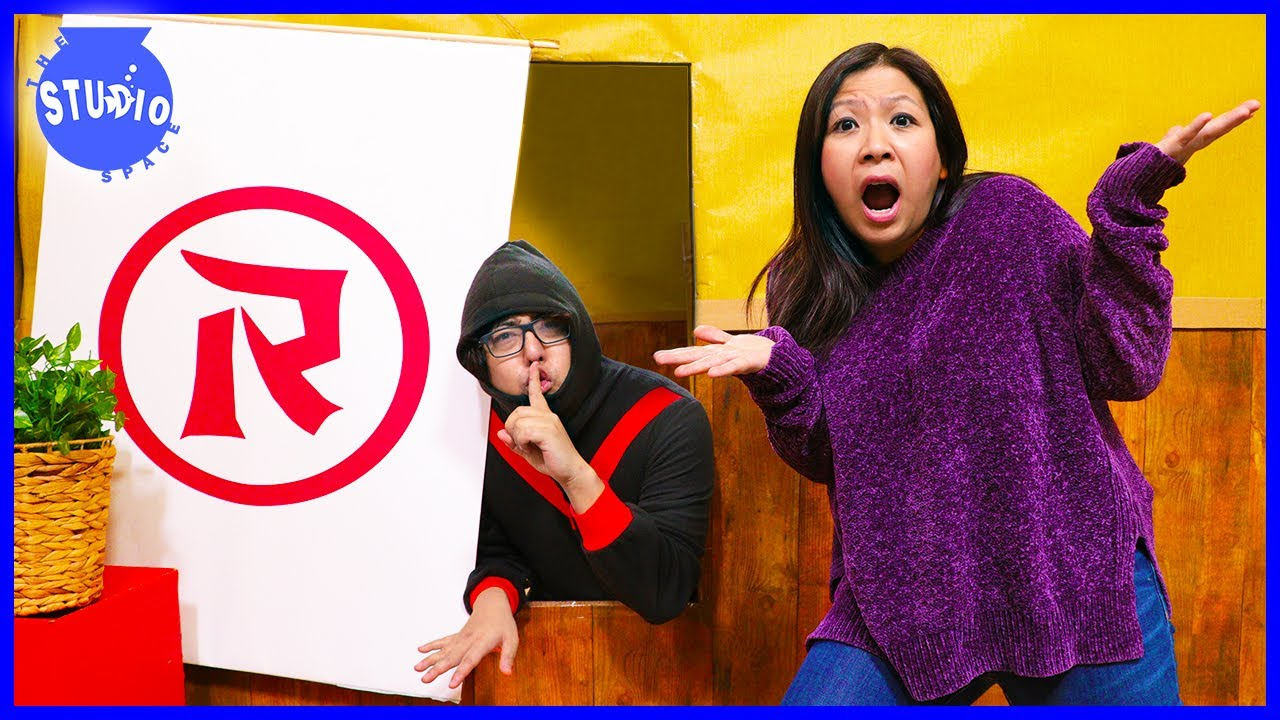 Ryan's Mommy VS Secret Spy Ninja! Trying to Escape Spy Ninja Obby!