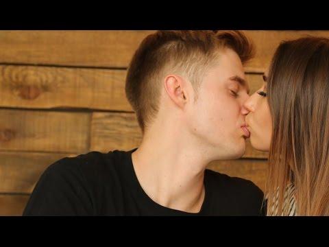 Как научить девушку целоваться если она не умеет