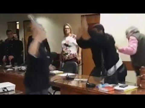 Disputa entre senadores paraguaios con agresión ao  expresidente Lugo incluída