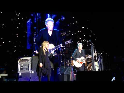 Fleetwood Mac - Landslide (Ziggo Dome, Amsterdam, 7-10-2013)