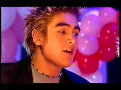 21. Sleeping With the Light On, Valentines Competition - The Saturday Show (Busted on VHS)