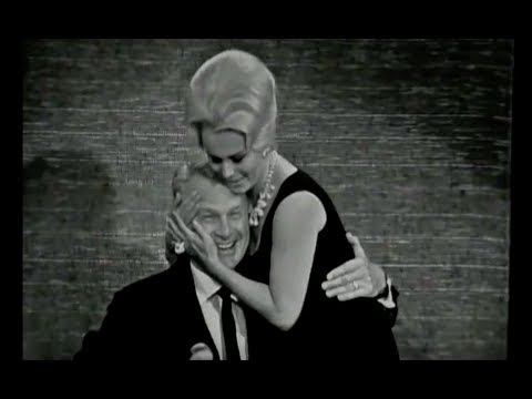 Interview With Eva Gabor & Eddie Albert Of Green Acres - 12/09/1966 - The Merv Griffin Show