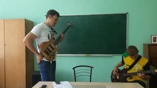Особенности постановки правой и левой руки на бас гитаре