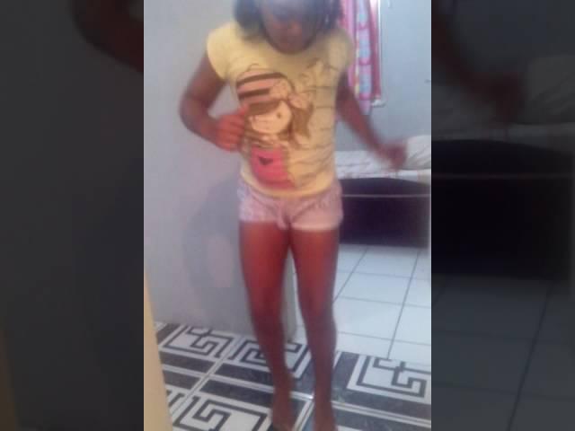 Samily mel dançando - clipzui.com