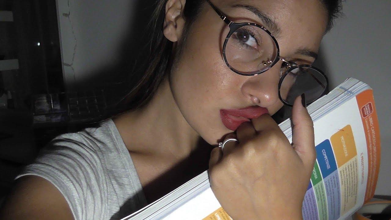 ASMR Français | Reading book | Whispers | - YouTube