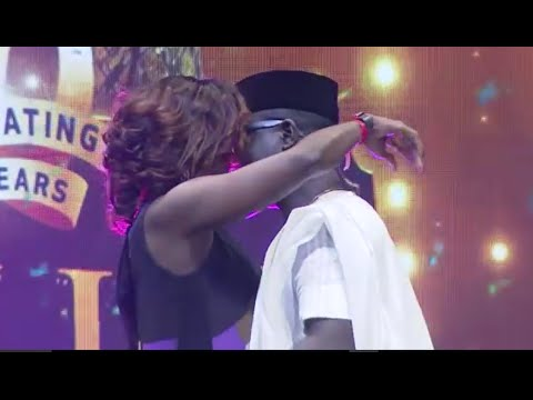 Download seyi law kisses kate henshaw on stage