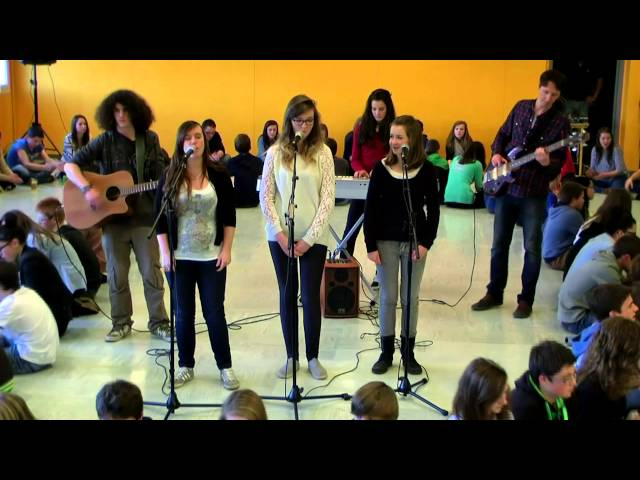 CUP SONG Jean Monnet Broons (English version by French Students)
