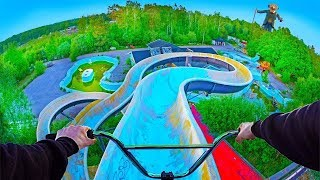ТРЮКИ НА BMX В НЕВЕРОЯТНОМ ЗАБРОШЕННОМ АКВАПАРКЕ! BMX RIDING AT INSANE ABANDONED WATERPARK!