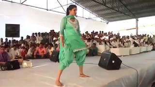 सपना चौधरी ने उठा दी सलवार   Sapna choudhary sexy dance ever