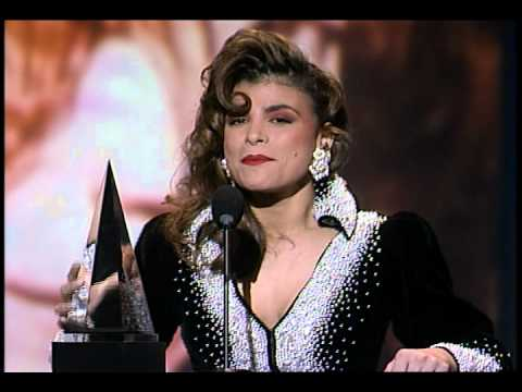 AMA 1990 Paula Abdul Acceptance Speech