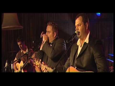 Zak van Niekerk (met Hugo) - I Am I Said (LIVE) (OFFICIAL VIDEO)