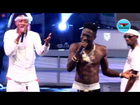 Shatta Wale performs 'Ayoo' at Ghana Meets Naija 2017