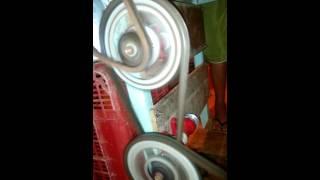 Engenho de cana  com motor de máquina de lavar