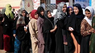 أخبار عربية - شاهدوا لحظة تحرير نساء وأطفال من داعش غربي #الموصل