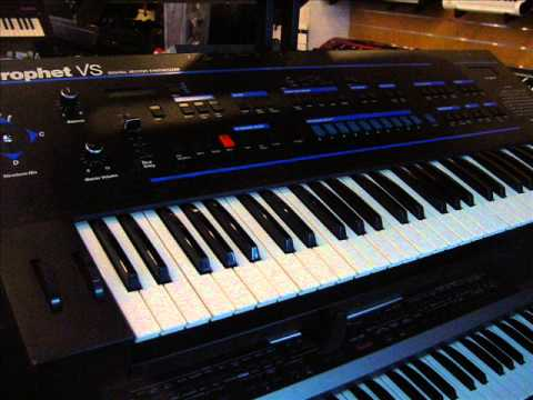 Sequential circuits Prophet VS  demo by polynominal.com