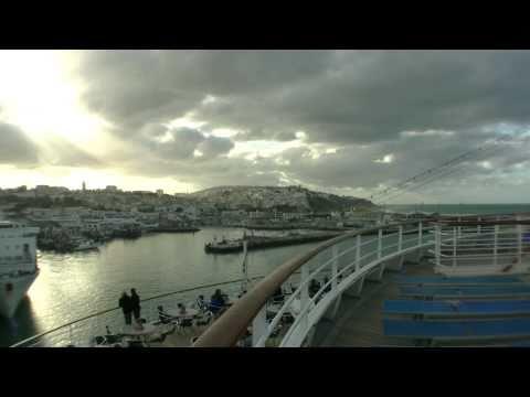 Tanger AIDA Cara Kreuzfahrtschiff im Hafen von Tanger, Marokko, Mittelmeer Kanaren Route