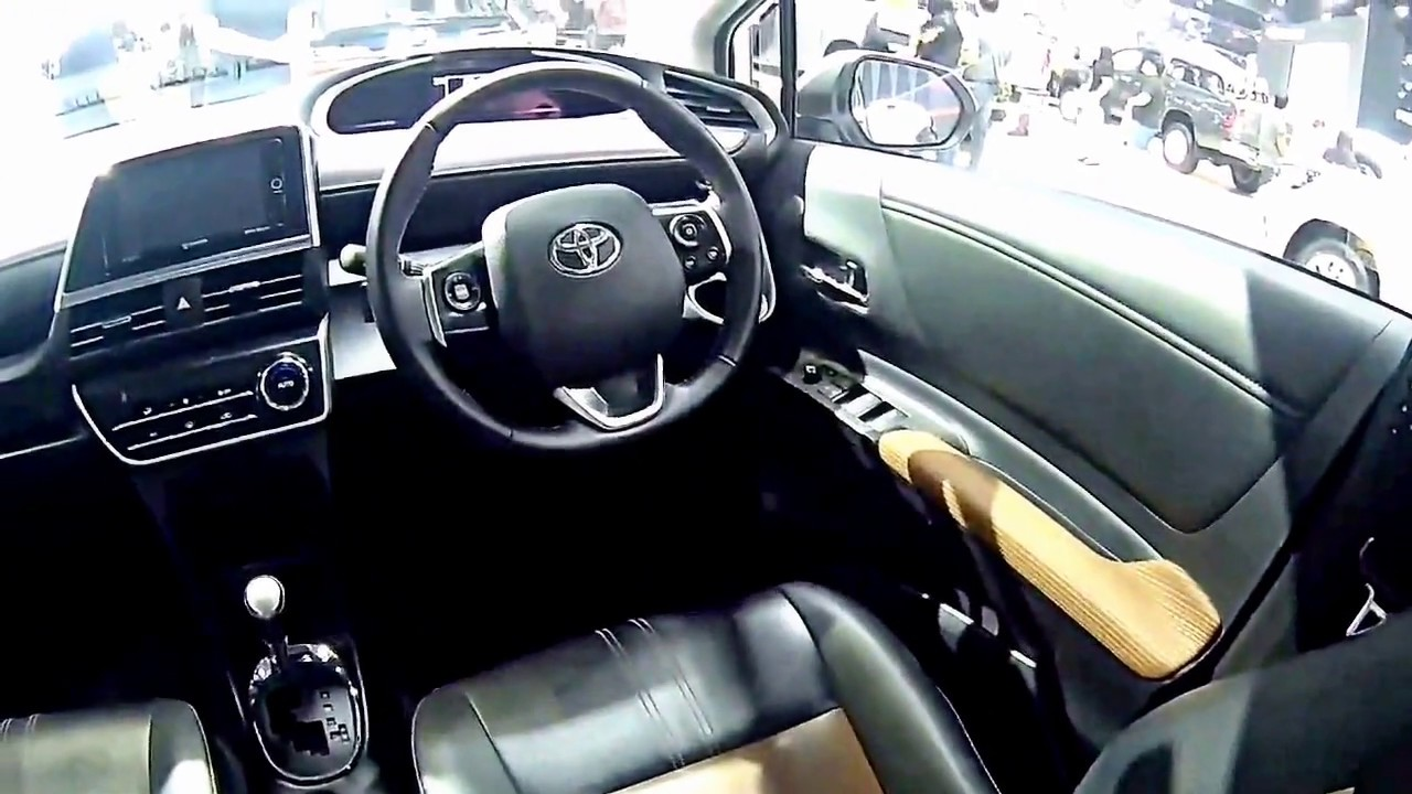 Kelebihan Toyota Sienta 2018 Murah Berkualitas