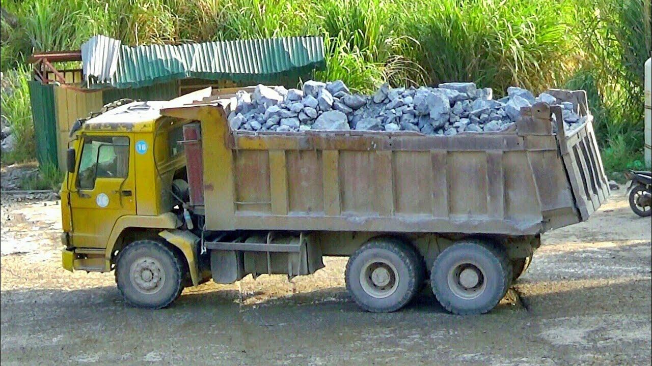 Xe ô tô tải ben chở và đổ đá | Nhạc thiếu nhi : Chú Chuột Nhắt | Tientube TV