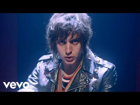Daft Punk ft. Julian Casablancas – Instant Crush (Official Video)