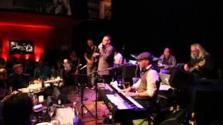 Henk Temming zingt voor Manuela Kemp