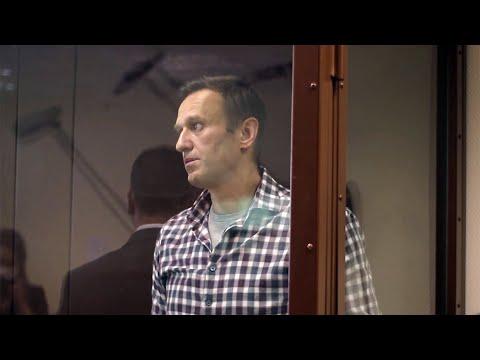 В Бабушкинском суде Москвы идет заседание по делу Алексея Навального о клевете на ветерана ВОВ.