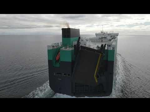 Thalatta - Wallenius Wilhelmsen (Ro-Ro vessel) travelling into Pt Melbourne.