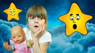 Girl Play with Twinkle Little Star