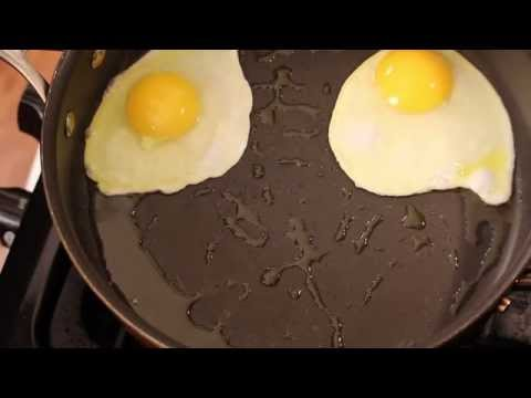 How To Make A Basic Fried Eggs-Kids Friendly/Young Chef