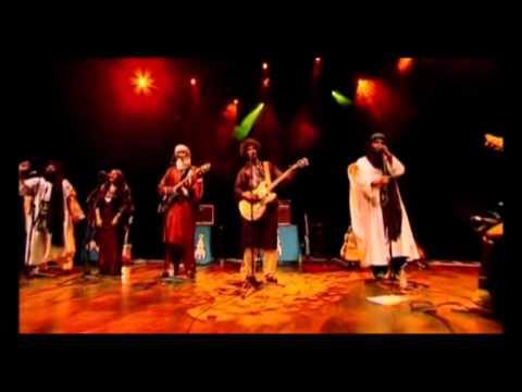Tinariwen Live - Aldhechen Manin