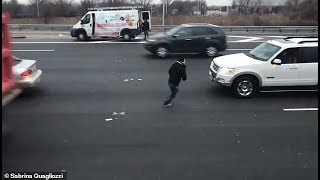 Money Rains Onto New Jersey Highway From Armored Truck; Crashes Happen as People Try to Collect Cash