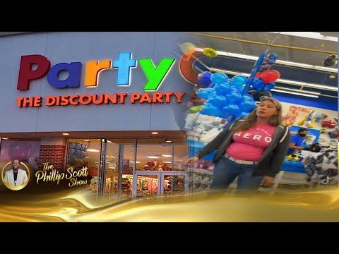 Sista Had To Check Karen & Her Wild Hyena Trailer Rat Offspring In Party City