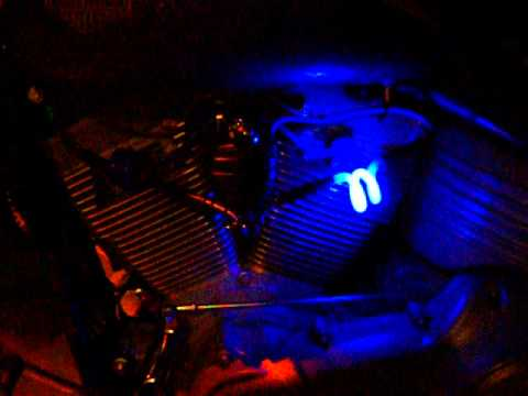 2008 Rocker FXCW with blue neon spark plug wires - YouTube