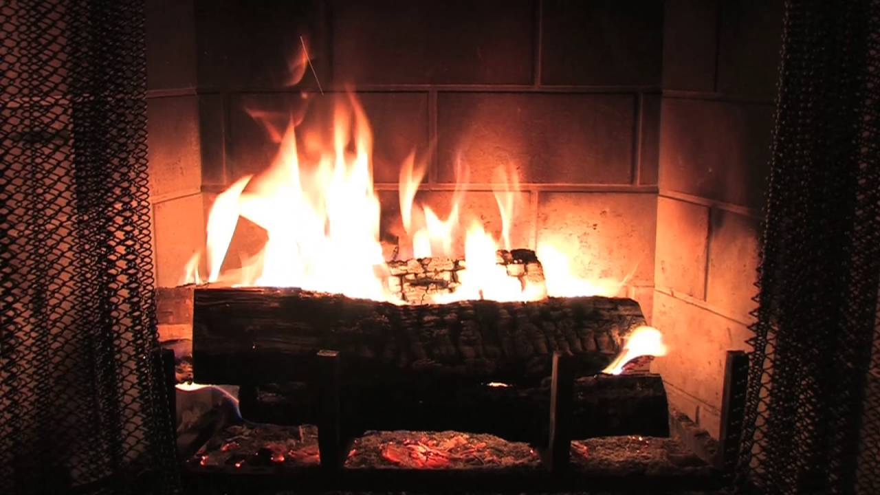 Digital Fireplace - 1 Hour of Cozy flames (The Daily Cheese #75 ...